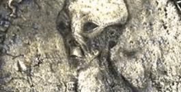 Encontradas moedas antigas no Egito com imagens de ETs